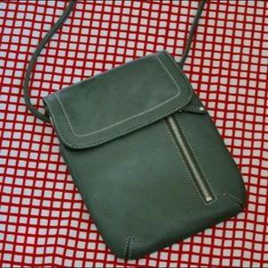 Tignanello Green Crossbody Leather Purse EUC!